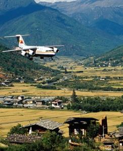 paro-airport-bhutan-200804-ss